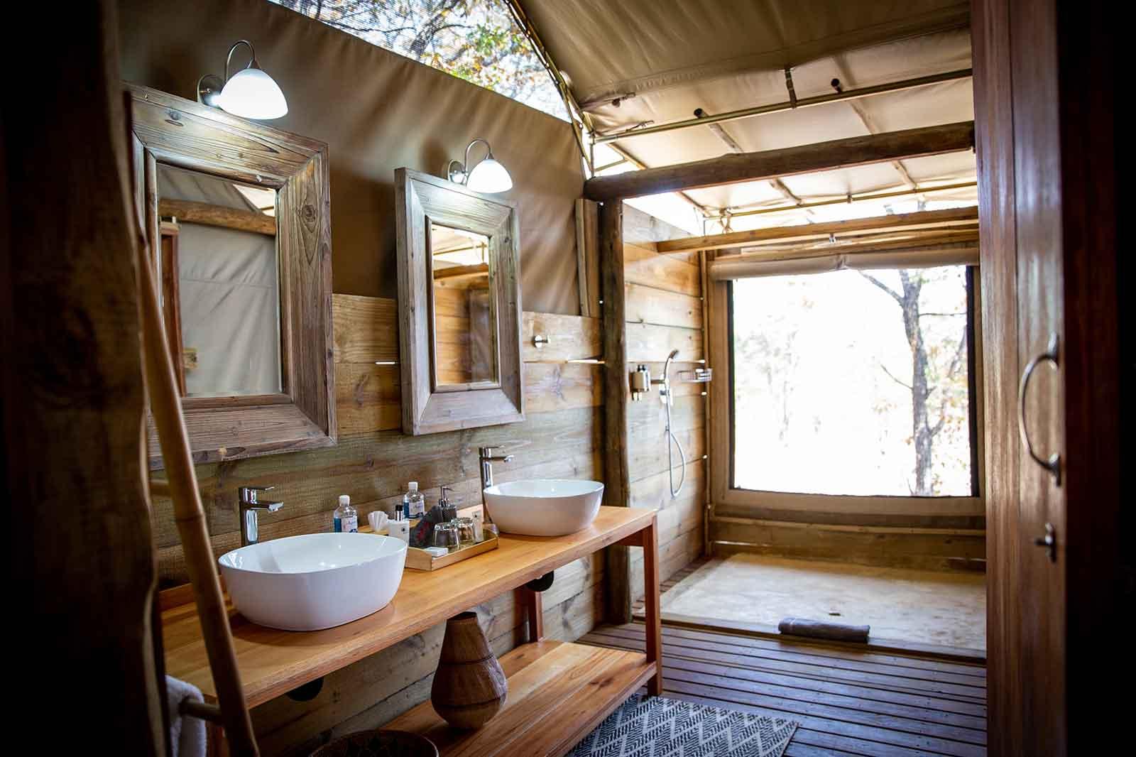 En-suite Bathroom Mankwe Tented Retreat