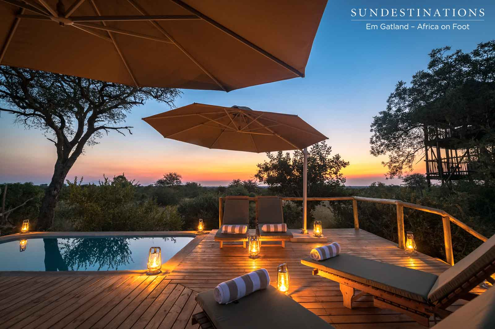 Sundowners at the Poolside